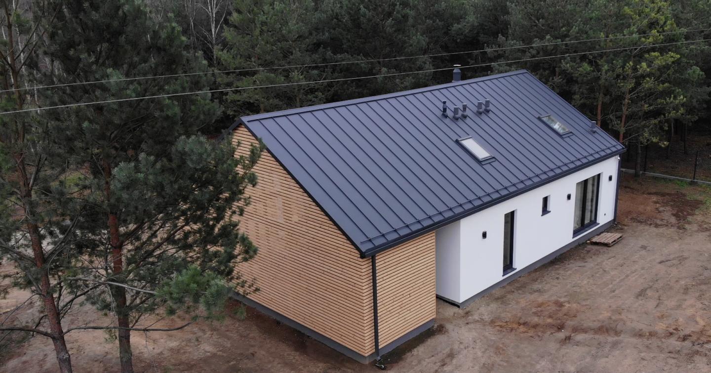 dom modułowy z wiatą